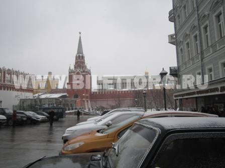 вышли к кассам кремлевского
