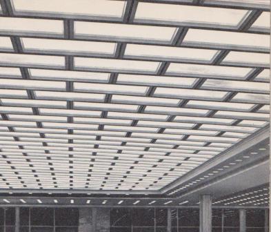 инженерной задачей было создание полной звукоизоляции зрительного и расположенного над ним банкетного залов.
